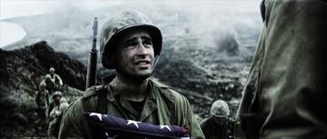 Jesse Bradford in una scena del war drama Flags of Our Fathers