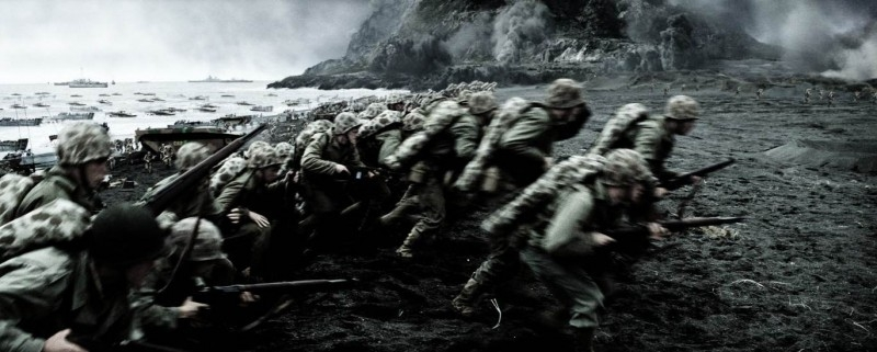Una scena di Flags of Our Fathers, il war drama diretto da C. Eastwood
