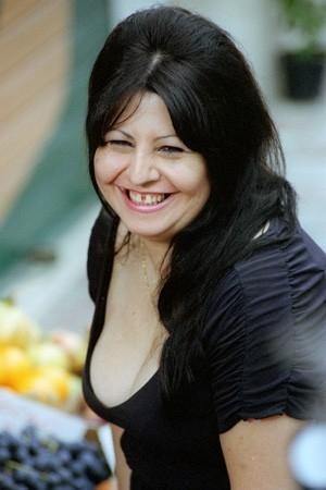 Annamaria Barbera in una scena della commedia Ma l'amore... sì