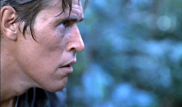 Willem Dafoe in una scena di Platoon