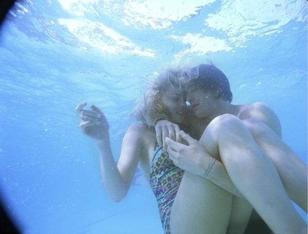 Abbie Cornish ed Heath Ledger in Paradiso + Inferno, del 2006
