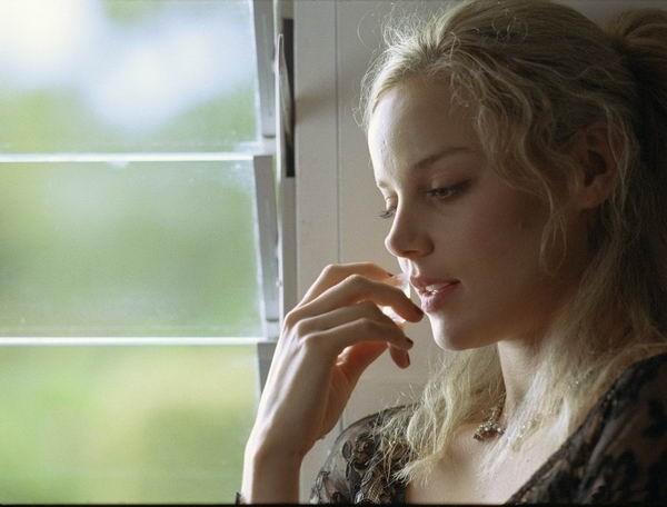 Abbie Cornish nel dramma Paradiso + Inferno
