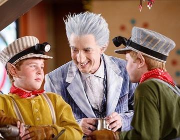 Martin Short in una scena di Santa Clause è nei guai
