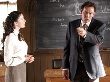 Nicolas Cage e Molly Parker in una scena del film The Wicker Man
