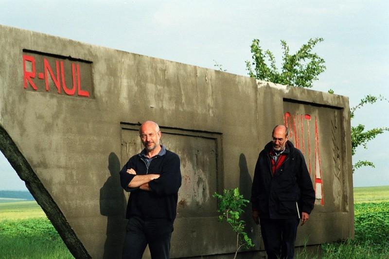 Davide Ferrario e Marco Belpoliti sul set del film La strada di Levi
