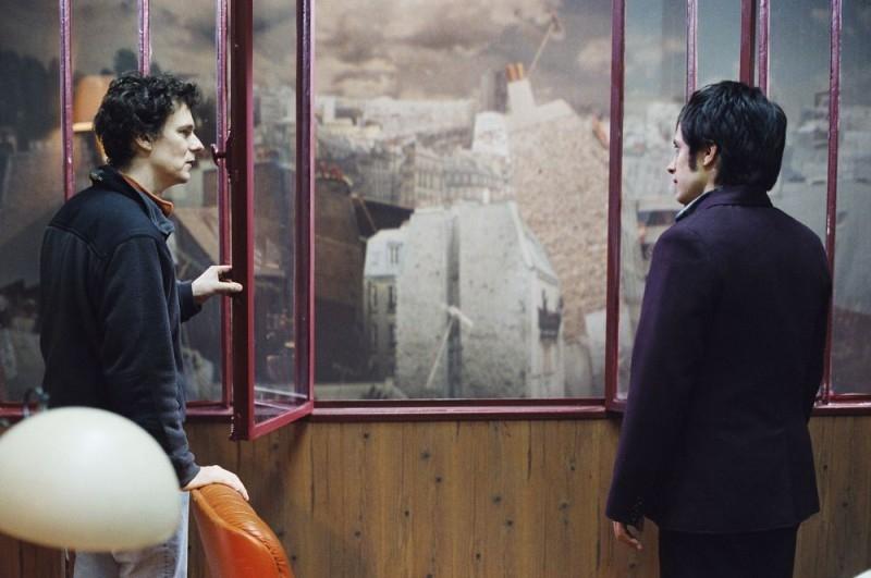 Il regista Michel Gondry e Gael García Bernal sul set di L'arte del sogno