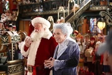 Tim Allen e Martin Short  in una scena di Santa Clause è nei guai
