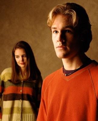 Katie Holmes e James Van Der Beek nel serial tv Dawson's Creek