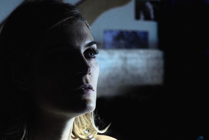 Claudia Zanella in una scena di 'Troppi equovoci' della serie televisiva 'Crimini'