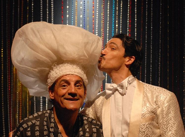 Francesco Salvi assieme a Francesco Foti in una scena del film L'ultima battuta