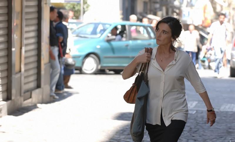 Lina Sastri in una scena del film Il covo di Teresa