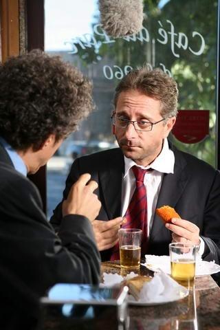 Paolo Bonolis da una scena di Commediasexi