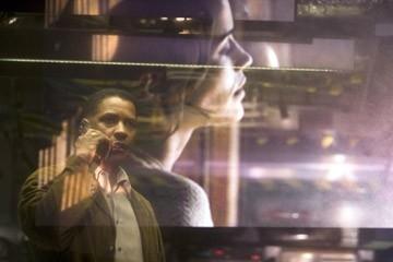 Denzel Washington con Paula Patton in una scena di Deja Vu - Corsa Contro Il Tempo