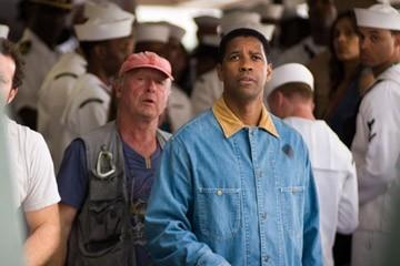 Denzel Washington e Tony Scott in una scena di Deja Vu - Corsa Contro Il Tempo