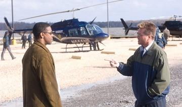 Denzel Washington e Val Kilmer in una scena di Deja Vu