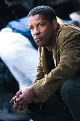 Denzel Washington è protagonista di Deja Vu - Corsa Contro Il Tempo
