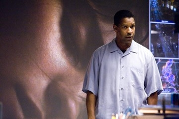 Denzel Washington in Deja Vu - Corsa Contro Il Tempo di Tony Scott
