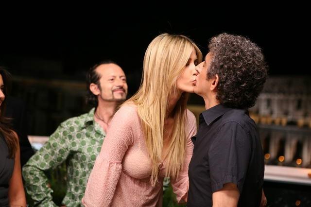 Elena Santarelli e Sergio Rubini in una scena di Commediasexi