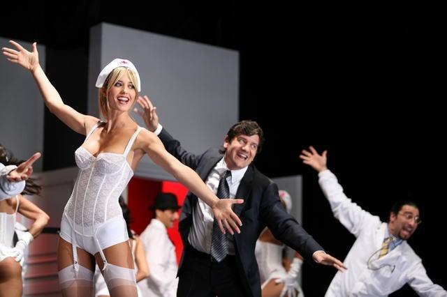 Una sexy Elena Santarelli in una scena di Commediasexi