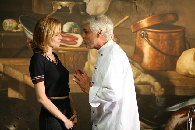 Stefania Rocca e Michele Placido in una scena di Commediasexi