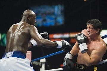 Sylvester Stallone e Antonio Tarver combattono nel film Rocky Balboa
