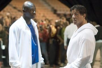 Sylvester Stallone accanto ad Antonio Tarver in Rocky Balboa