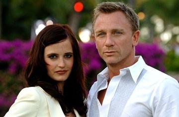 Daniel Craig e Eva Green in una foto promozionale del film Casino Royale