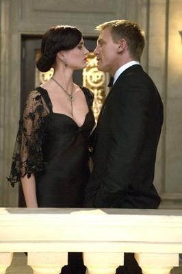 Daniel Craig e Eva Green in una scena del film Casino Royale