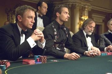 Daniel Craig in una sequenza del film Casino Royale