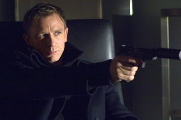 Daniel Craig in una scena del film Casino Royale, primo film da lui interpretato nel ruolo di James Bond