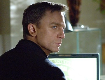 Daniel Craig in una scena del film Casino Royale, primo film da lui interpretato nel ruolo di 007