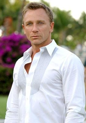 Daniel Craig in una scena del film Casino Royale