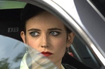 Un primo piano di Eva Green in una scena del film Casino Royale
