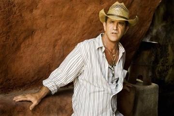 Mel Gibson sul set del suo Apocalypto