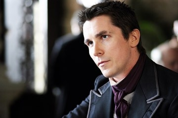 Il fascinoso Christian Bale in una scena di 'The Prestige'