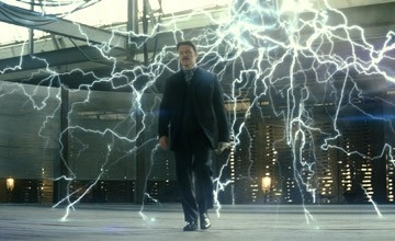 David Bowie è Nikola Tesla in una scena di 'The Prestige'