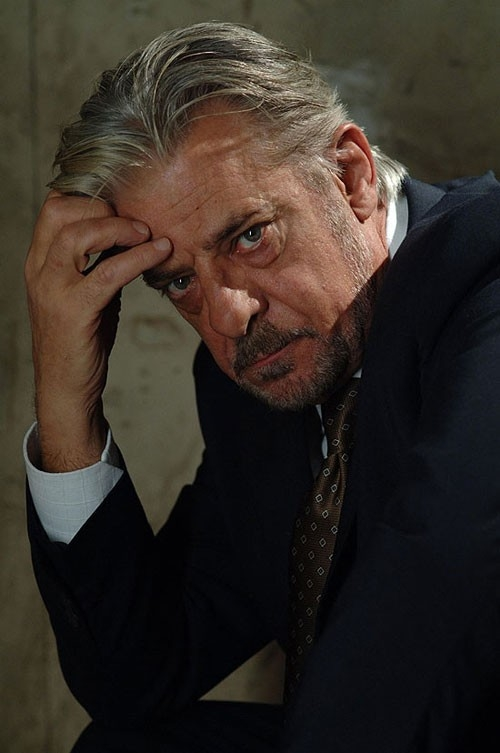 Giancarlo Giannini in una sequenza del film Casino Royale