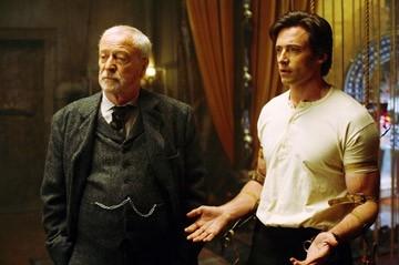 Hugh Jackman, Michael Caine in una scena di 'The Prestige'