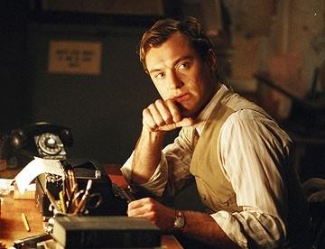Jude Law in una scena del film Tutti gli uomini del re (All the King's Men)