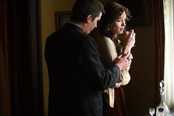 Rebecca Hall insieme a Christian Bale in una scena di 'The Prestige'