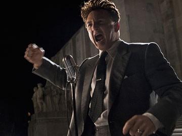 Sean Penn in una scena del film Tutti gli uomini del re (All the King's Men, 2006)