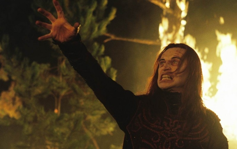 Robert Carlyle in una scena di Eragon