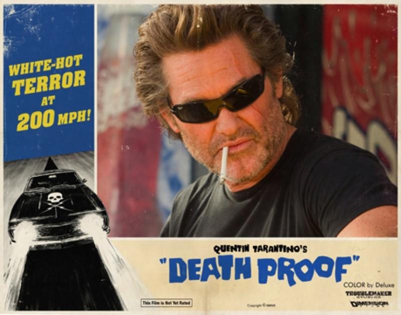 Kurt Russell in una lobbycard promozionale realizzata per Death Proof, uno dei due episodi di Grind House