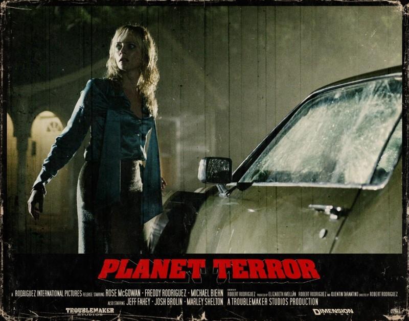 Una lobbycard promozionale realizzata per Planet Terror, uno dei due episodi di Grind House