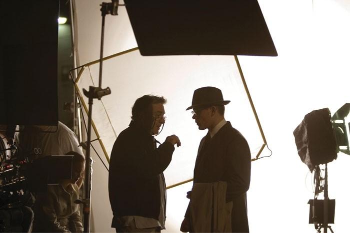 Matt Damon e Robert De Niro sul set del dramma The Good Shepherd