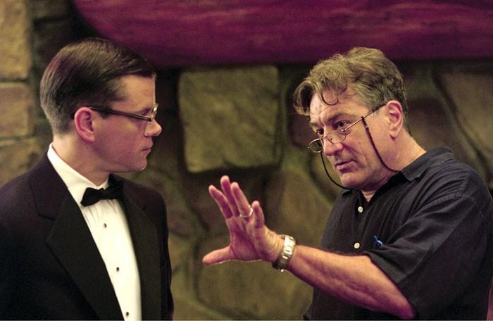 Matt Damon con Robert De Niro sul set del film The Good Shepherd