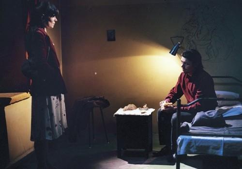 Una immagine tratta dal film Le luci della sera
