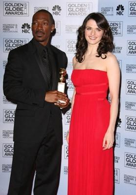 Eddie Murphy premiato da Rachel Weisz per Dreamgirls ai Golden Globes 2007