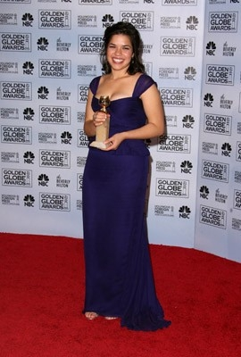America Ferrera premiata per Ugly Betty ai Golden Globes 2007