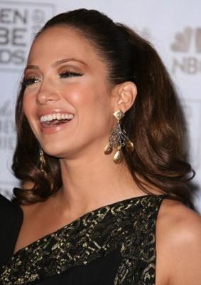 Una sorridente Jennifer Lopez, presentatrice ai Golden Globes 2007